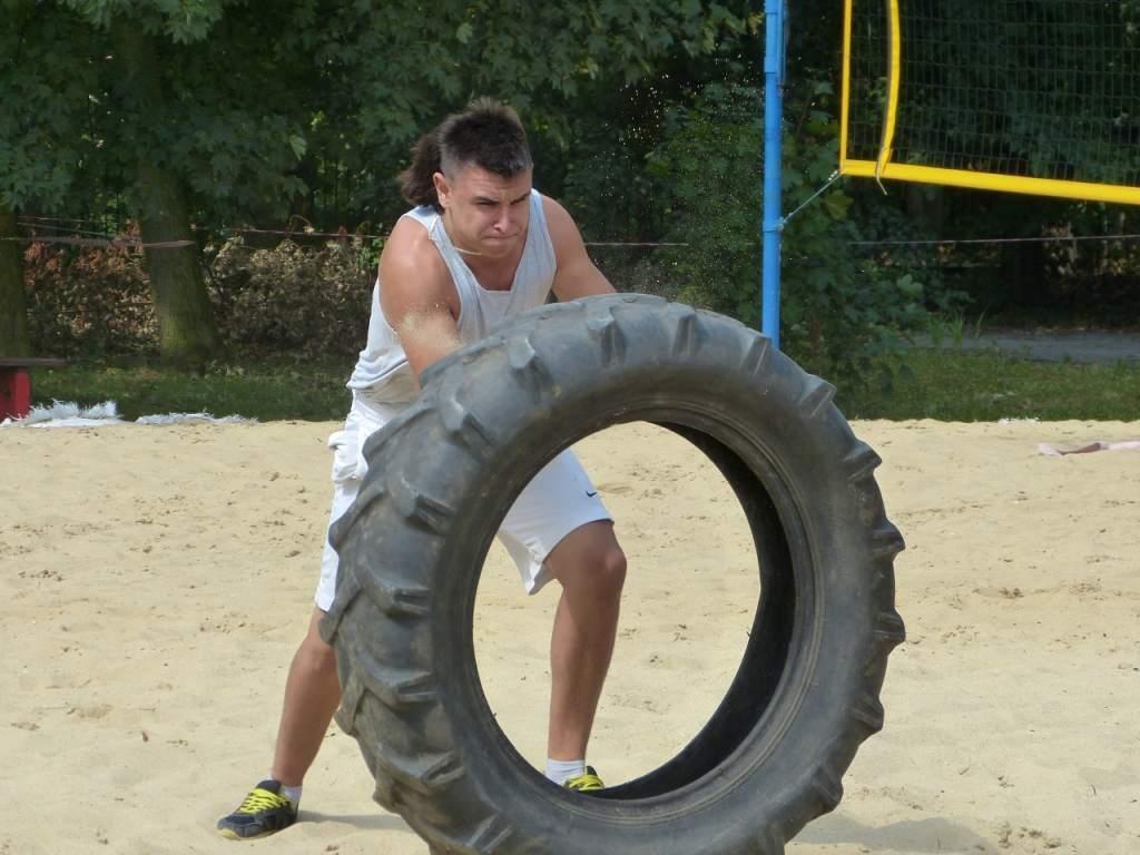 strongman_20150824_2078401331